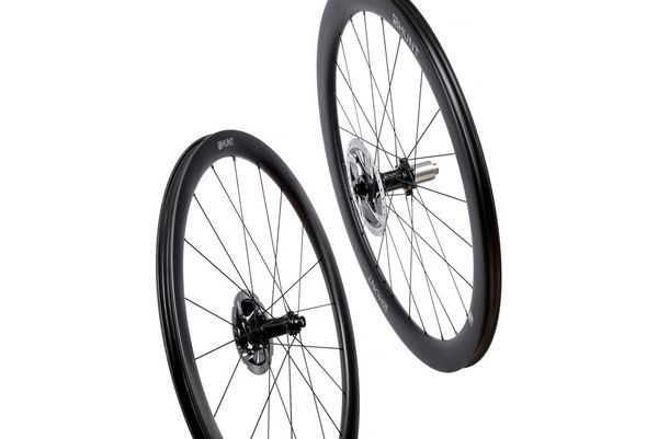 HUNT 4050 Carbon Aero Disc Wheelset click to zoom image