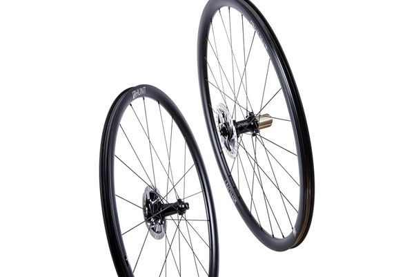 HUNT 30 Carbon Aero Disc Wheelset click to zoom image